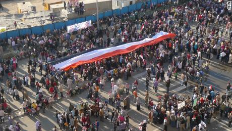 Mulțimi uriașe s-au adunat în Piața Tahrir din Cairo în timpul primăverii arabe din februarie 2011.