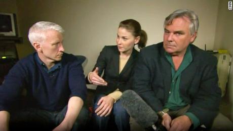 Anderson Cooper, Hala Gorani și Ben Widman la CNN au susținut spectacole din Cairo în timpul primăverii arabe din 2011.
