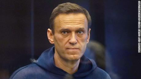 Criticul de la Kremlin, Alexei Navalny, a fost condamnat la închisoare, provocând proteste în toată Rusia