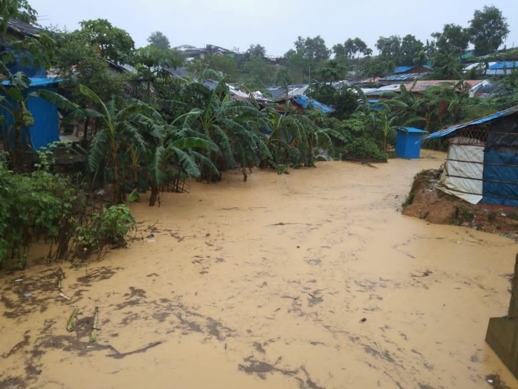 O imagine generală a unei zone inundate după ploi musonice abundente în Cox's Bazar, Bangladesh, 27 iulie 2021 în această fotografie făcută pe 27 iulie 2021. Arakan Times / Via Reuters