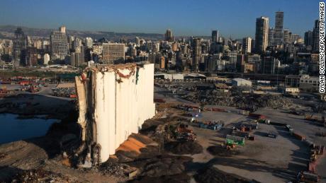 & # 39;  mafia & # 39;  și & # 39;  Milițiile & # 39;  Activiștii spun că Libanul este în genunchi