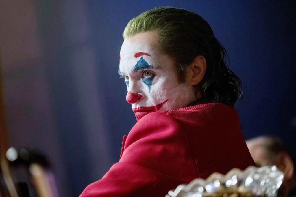 """film 2019 """"Joker"""" Înfățișează ticăloșii Batman care coboară în nebunie."""